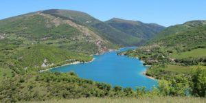 Il Lago di Fiastra sui Monti Sibillini